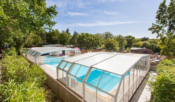 Camping avec piscine en vend e camping piscine couverte - Camping avec piscine couverte chauffee ...