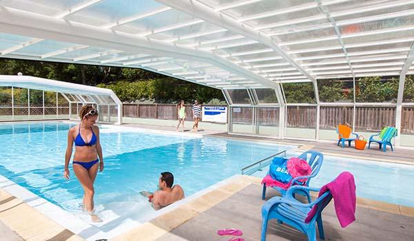 Camping avec piscine en vend e parc aquatique couverte chauff e vend e - Camping guerande piscine couverte ...
